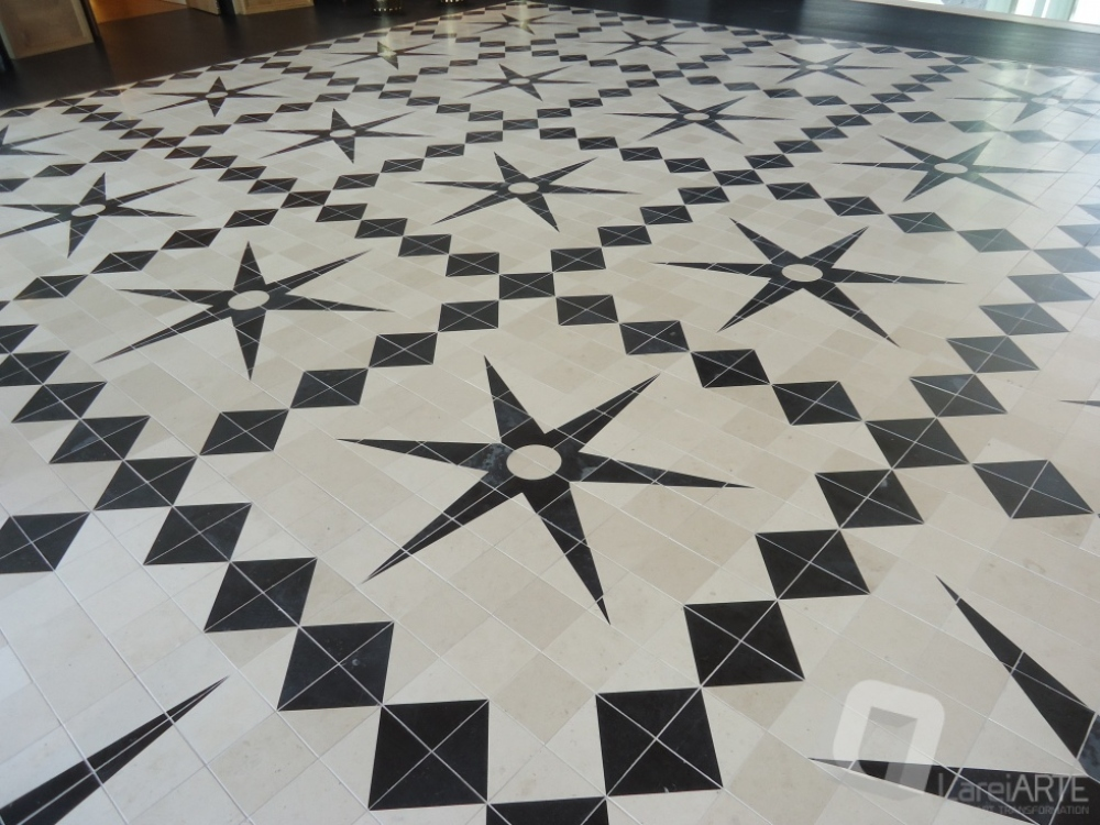 Flooring in Moleanos and Black Limestone